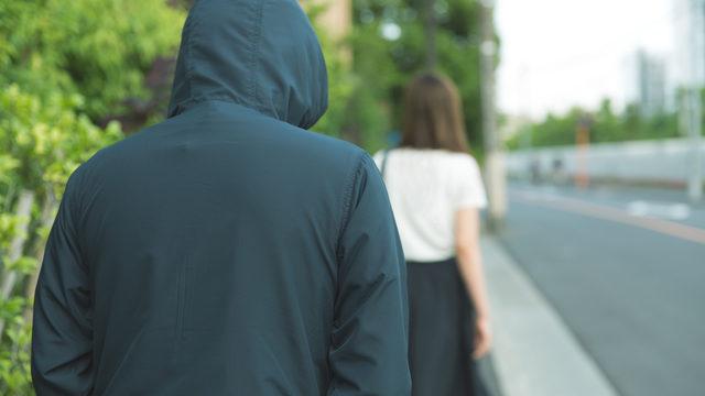 痴漢、盗撮、強制わいせつ罪で逮捕された場合の対処方法